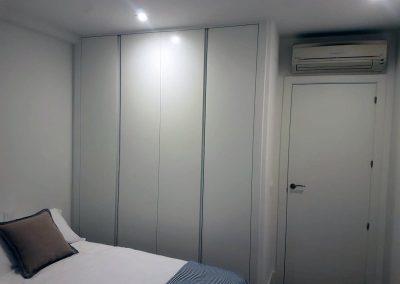 Dormitorio blanco Serforma fabricado a medida
