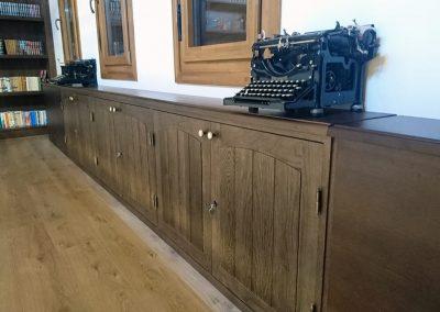 Serforma librería almacenaje a medida madera wengue 02